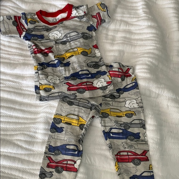 ✨3 for $10✨Jammies with Cars 2T